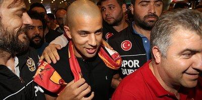 Galatasaray, Feghouli'yi KAP'a bildirdi!
