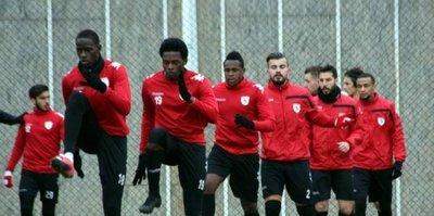 Samsunspor'da 3 oyuncuyla yollar ayrıldı