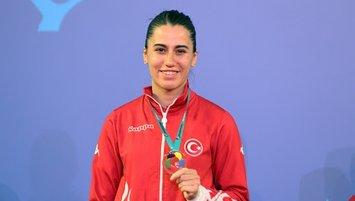 Milli karateciden altın madalya!