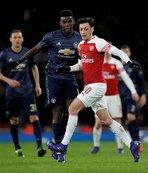 Manchester United kupada Arsenal'i 3 golle eledi