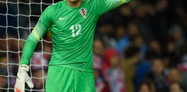 Şimdiden Dünya Kupası'na damga vurdu! Hırvat kalecinin öyle bir özelliği var ki...
