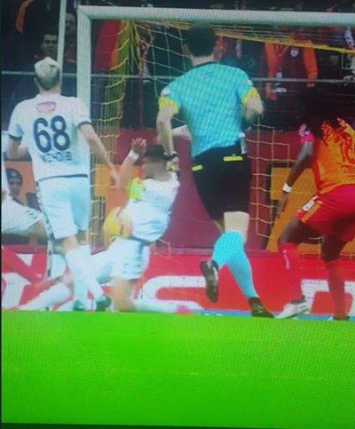 Gomisin penaltısını Serkan kurtardı!