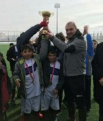Erkan Sözeri kupa töreninde