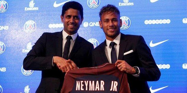 PSG,  Neymar'ı basına tanıttı