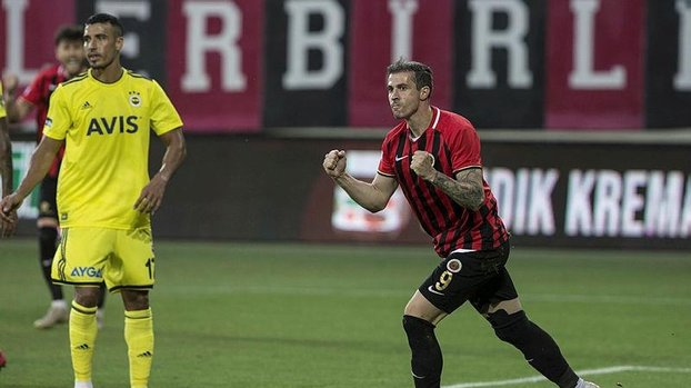 Stancu, Gençlerbirliği formasıyla Süper Lig'de 50. gol peşinde #
