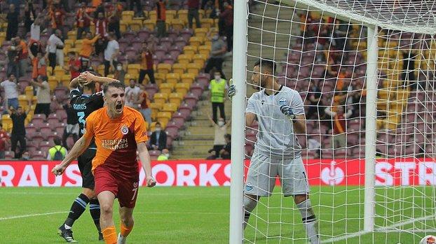 Galatasaray Lazio maçında kaleci Strakosha'nın büyük hatası golle sonuçlandı! İşte o pozisyon...