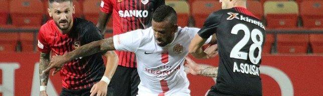 Antalya'nın bileği bükülmüyor! Seri 11 maça çıktı