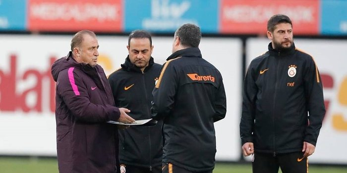 Son dakika spor haberi: Galatasaray'da Ümit Davala ve Levent Şahin ekipten ayrıldı!