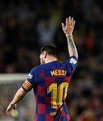 Messi Barcelona'dan ayrılıyor mu?