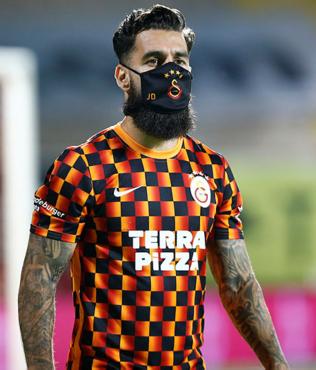 Galatasaray'a 'evet' dedi! Yeni sağ bek Jimmy Durmaz'dan