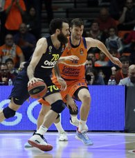 Fenerbahce snaps two-game losing streak in Euroleague