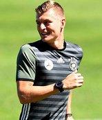 Real Madrid Kroos'un sözleşmesini yeniledi