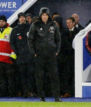 Arsenal Emery ile ilgili kararını açıkladı