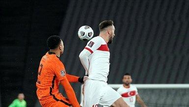 Son dakika spor haberleri: Türkiye Hollanda maçında hakem Michael Oliver'dan tepki çeken karar!