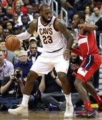 LeBron James coştu, Cleveland kazandı!