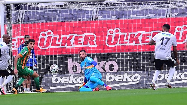 Son dakika spor haberi: Beşiktaş - Alanyaspor maçına damga vuran kare! Marafona... #