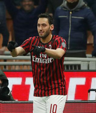 Hakan Çalhanoğlu coştu Milan turladı!