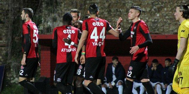 Fatih Karagümrük sahasında 2 golle güldü!