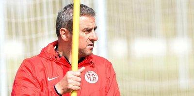 Hamzaoğlu: Antalyaspor'un en zor yılı