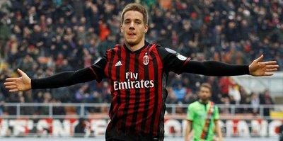 Milan'da kalmak istiyor