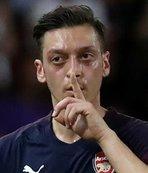 Mesut Özil ve taraftar arasındaki gerginlik sürüyor