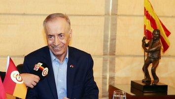 Mustafa Cengiz'den voleybol takımına destek