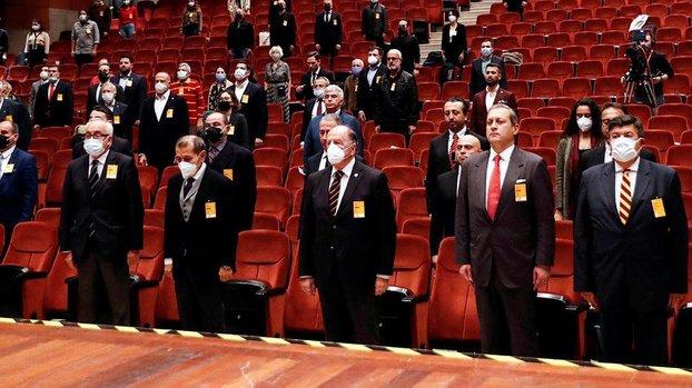 Galatasaray'da Mustafa Cengiz yönetimi mali ve idari yönden ibra edildi (GS spor haberi)