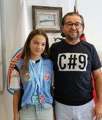 Madalyalı yüzücüden Ünlüoğlu'na teşekkür