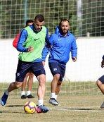 Antalyaspor'da lig hazırlıklarını sürdürüyor