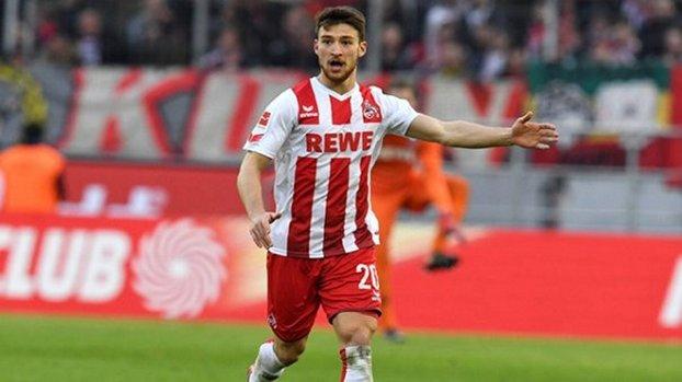 Beşiktaş ve Galatasaray'ın transfer gündemindeki Salih Özcan Köln ile resmi sözleşmeye imza attı!