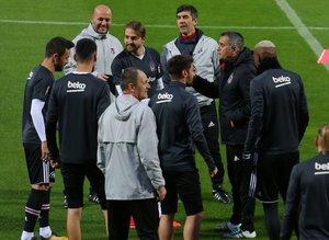 Beşiktaş Antalyada tam kadro