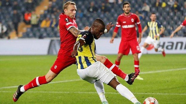 Fenerbahçe Royal Antwerp maçında VAR sonrası penaltı kararı! İşte o pozisyon