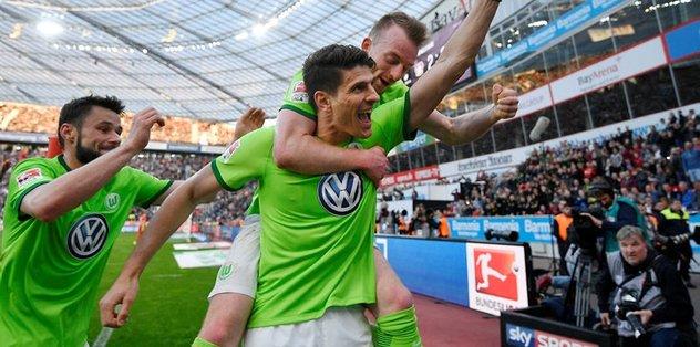 Mario Gomez, Wolfsburg'da kaldı