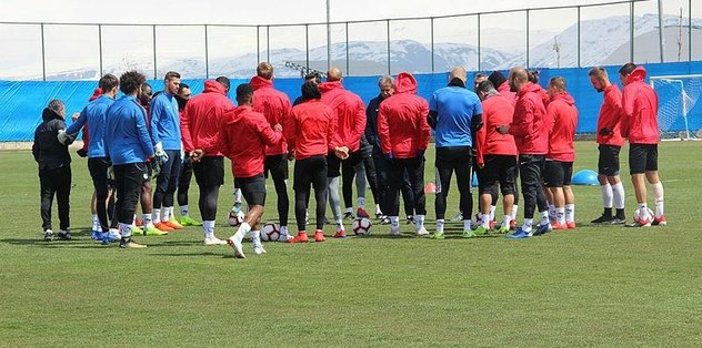 Erzurumspor Göztepe maçı hazırlıklarını sürdürdü