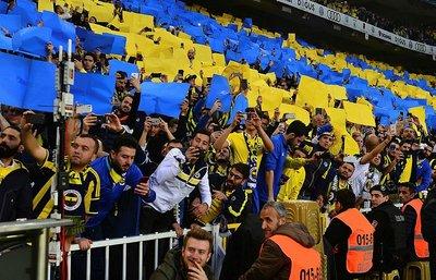Galatasaraylılar, Fenerbahçe ile fena dalga geçti