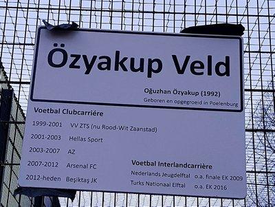 Futbol sahasına Oğuzhan Özyakup ismi verildi