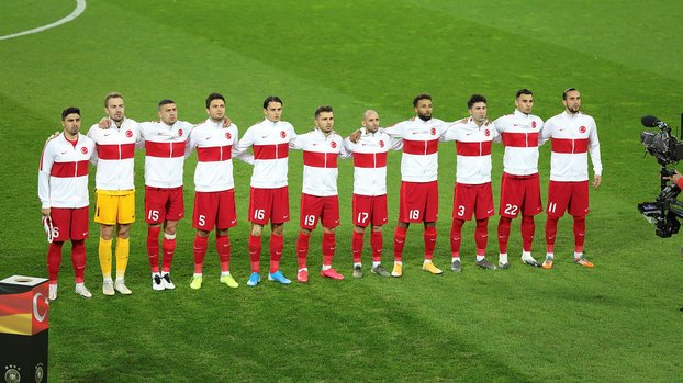Türkiye FIFA dünya sıralamasında bir basamak geriledi #