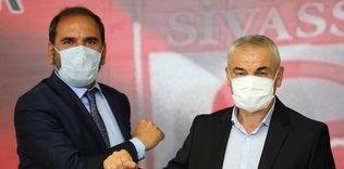 sivasspor riza calimbay ile devam dedi 1597399437382 - Rıza Çalımbay: İyi transferler yapmak zorundayız!