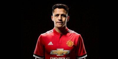 Sanchez becomes England's top earner