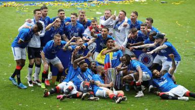 Son dakika spor haberi: İskoçya şampiyonu  ligi namağlup bitirdi