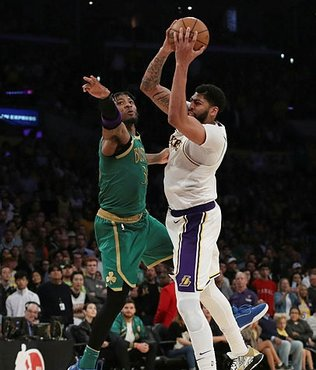 Los Angeles Lakers Boston Celtics'i iki sayı farkla yendi