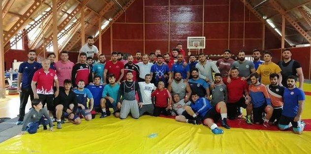 Milli güreşçiler Dünya Şampiyonası için Kazakistan'a gitti