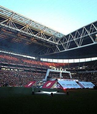 Galatasaray'ın şampiyonluk kutlamasında flaş protesto!