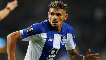 Süper Lig devinden Soares hamlesi!