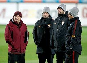 Galatasaray'dan gönderilecek isimler belli oldu! Hasan Şaş işaret etti...