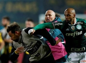 """Felipe Melo çıldırdı! """"Onu buraya getirin"""""""