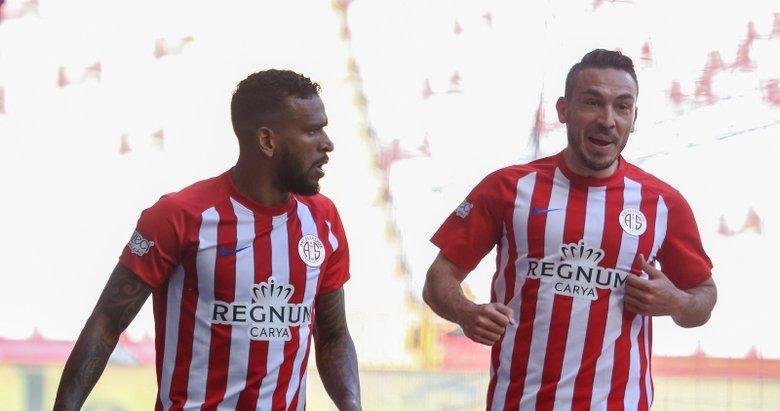 Antalyaspor - Kasımpaşa maçından kareler...