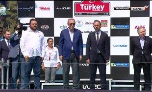 Dünya Ralli Şampiyonası'nda dereceye giren sporculara ödüllerini Başkan Erdoğan verdi