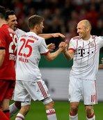 Almanya Kupası'nda ilk finalist Bayern Münih oldu