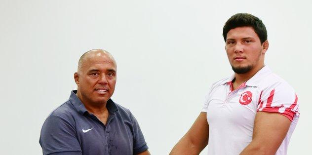 Güreşçi babanın şampiyon oğlu